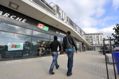 Centre commercial du Daguenet quartier banchais- grand pigeon