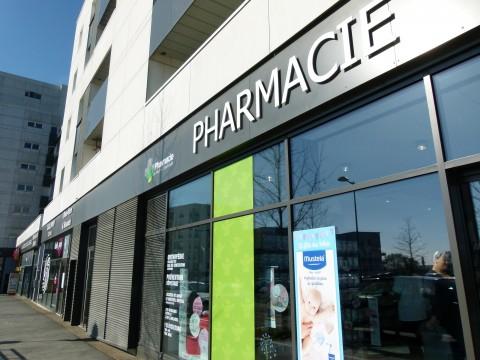 pharmacie quartier les capucins à angers